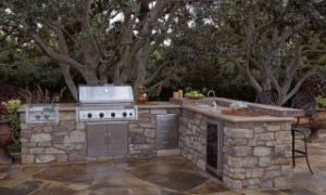003_Coastal-Ranch-Signtaure-Kitchen_Padova-Fieldledge_Hero-320x192